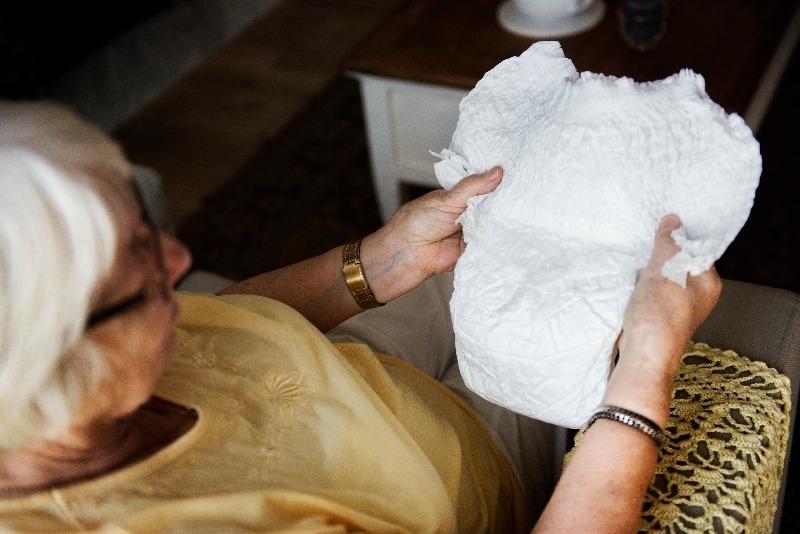 Jak uzyskać dofinansowanie na zakup pieluch dla dorosłych ?